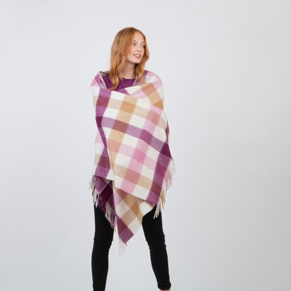 Made In Scotland Cashmere Stole   Rhubarb Pink 5 Sq